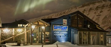 Basecamp Trappers Hotel