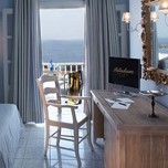 deluxe-seaview-suites