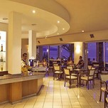 bar_at_the_Louis_Regency_Beach_Hotel