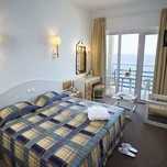 room_at_the_Louis_Regency_Beach_Hotel