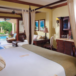The Swim-up Crystal Lagoon Honeymoon One Bedroom Butler Suite