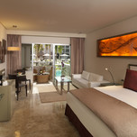 13ParadisusPlayaDelCarmen_LaEsmeralda-Luxury_Suite_Room-Swim-up