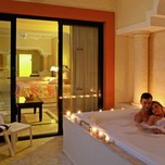Jacuzzi in the Royal Junior Suites
