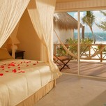 Mi-Hotelito-Beachfront-Suite_688x390