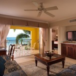 The Honeymoon Beachfront 1 Bdrm_ Butler Suite