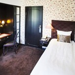 First Hotel Kong Frederik Standard Single Room Romantic style