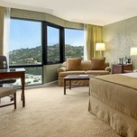 Guest Room, Hilton Los Angeles —  Universal City