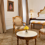 The Plaza Hotel New York, Deluxe Rose Suite