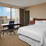 Deluxe Room, The Westin Oaks Houston at the Galleria