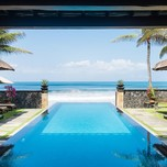 1600-Infinity-Pool-at-The-Beach-House-567016