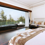 Accom-Deluxe-Sky-pool-Suite_01
