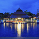 800x600-khao-lak-pool-bar-01