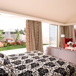 Executive Suite Sea View with private Garden