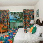 coralmist_suite_bedroom