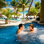 09_Catalonia Royal Tulum_jacuzzi outdoor