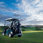 golf_cart_on_the_country_club_course