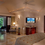 the_villa_master_bedroom