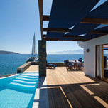 presidential-suites-on-the-waters-edge-with-private-heated-pool-exterior2