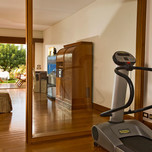 luxury-rooms-with-private-gym-2